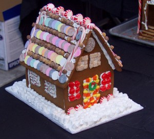 picture of gingerbread house for hexayurttape.com