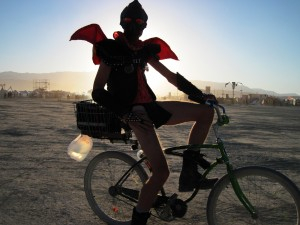 picture of man on bike for hexayurttape.com